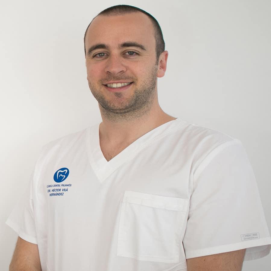 Héctor Vilà, endodoncista en Sabadell, en Clínica dental Gemma Farré.