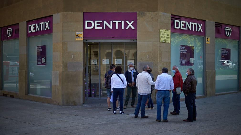 Pacientes afectados por el cierre de Dentix