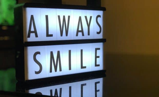 Ve al dentista y sonríe con confianza